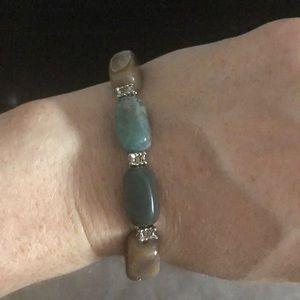 Elastic stone bracelet